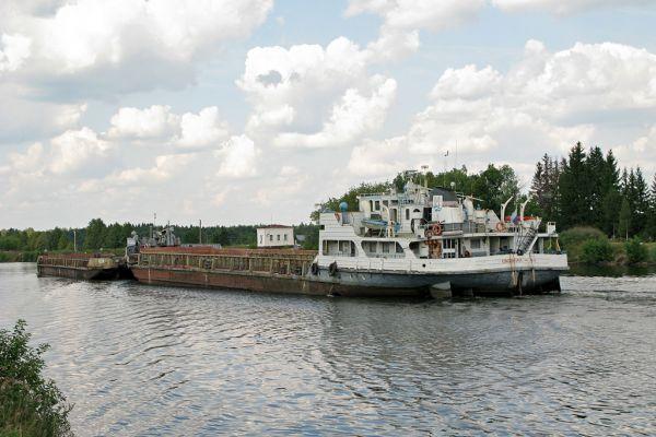 Отклонился от курса: теплоход из Самарской области сел на мель в Нижнем Новгороде