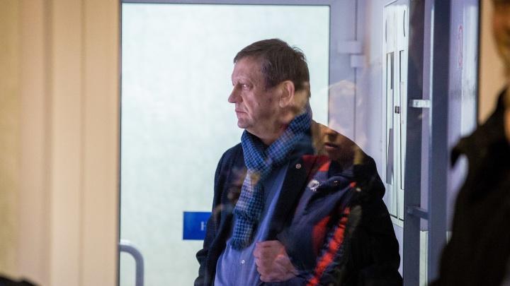 Задержанного экс-директора клиники Мешалкина увезли в больницу из-за проблем с сердцем