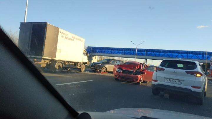 Лоб в лоб: две легковушки столкнулись на трассе Уфа — Аэропорт