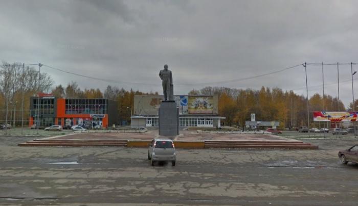 Памятник Ленину доживает на этом месте последние недели