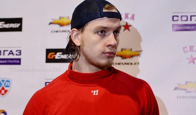 Уфимские хоккеисты лучше всех моют полы: Игорь Макаров попал на видео