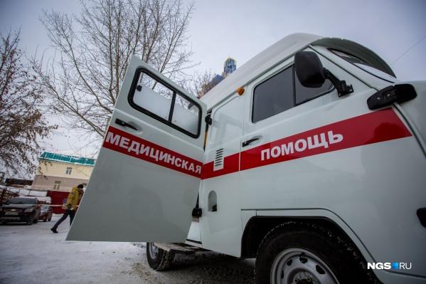 В областном минздраве назвали зарплаты врачей скорой помощи