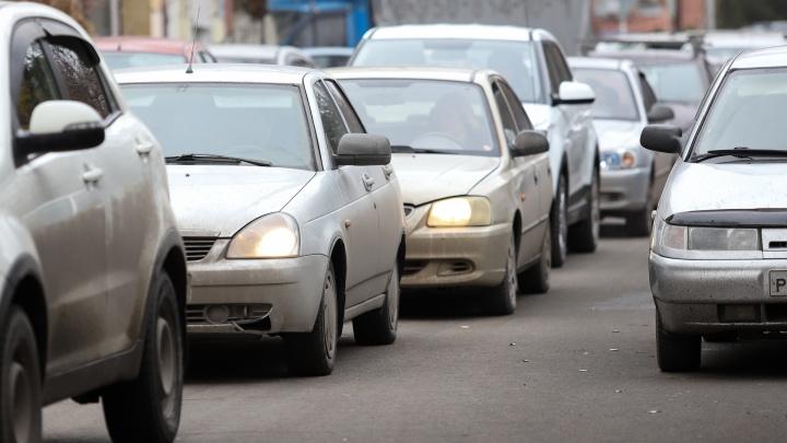 «Три капли упали»: Ростов застрял в восьмибалльных пробках