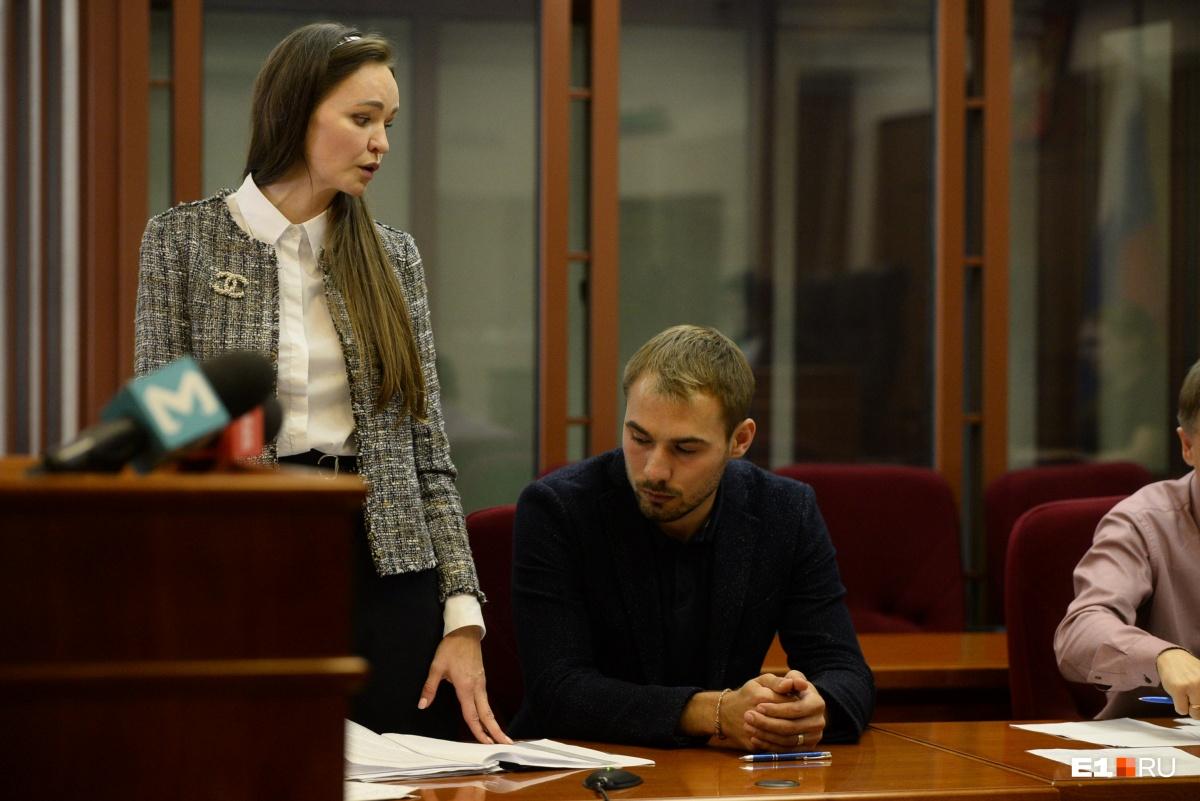 Сам Антон в суде так и не выступил