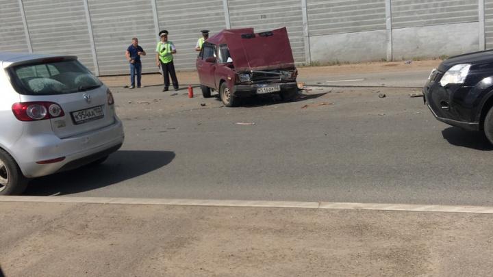 Массовая авария в Уфе: пострадали трое