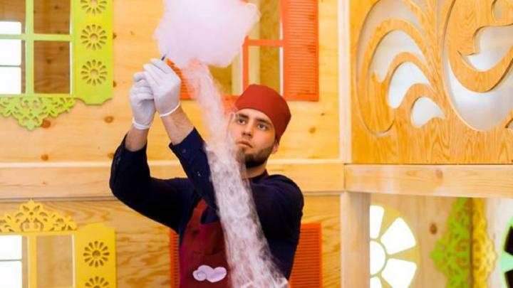 На «Главной Ёлке Сибири» научат волшебным заклинаниям и накормят ватой с мороженым
