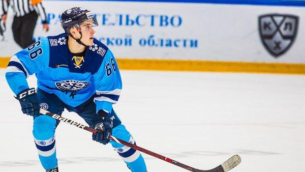 Хоккейная «Сибирь» продлила контракт с одним из своих лучших снайперов