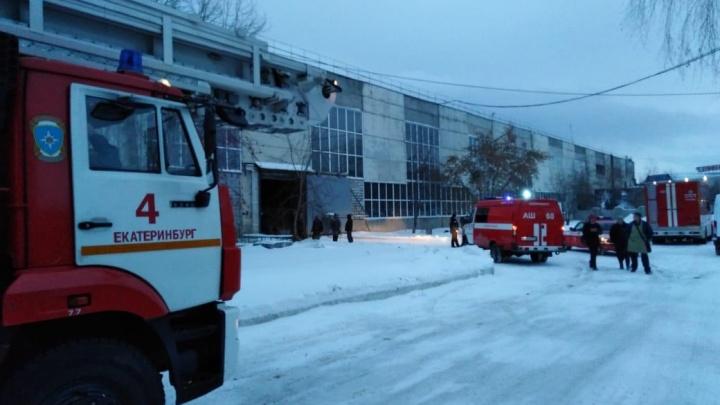 Пожарные успели спасти цех на ЖБИ от полного выгорания