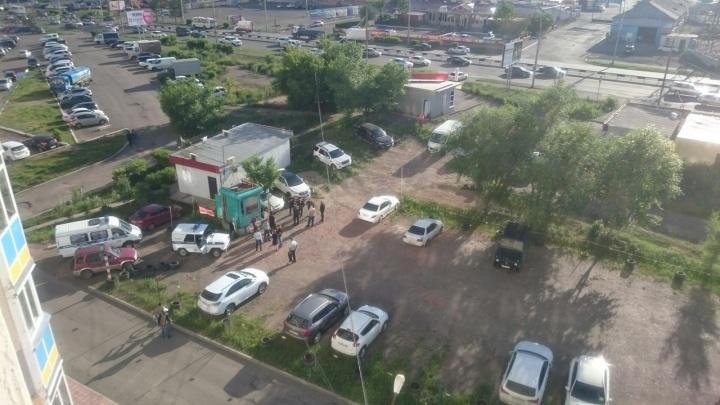 «Там куча полиции и стреляют»: очевидцы сообщили о перестрелке в «Северном»