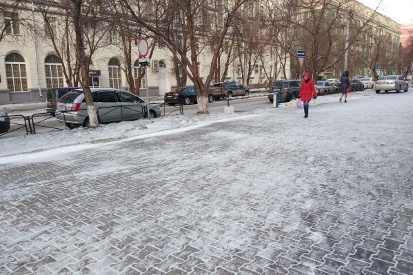 Сейчас в Новосибирске -7 градусов