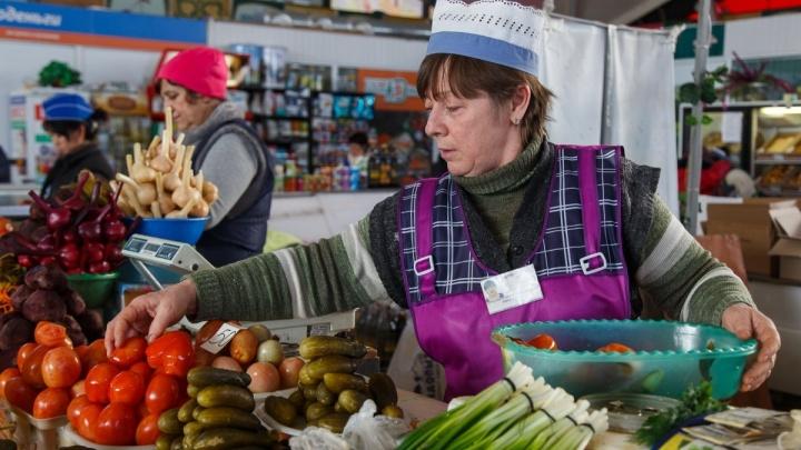 «Не хватает денег даже на еду»:1,8% волгоградцев голодают при самом мизерном наборе продуктов в ЮФО