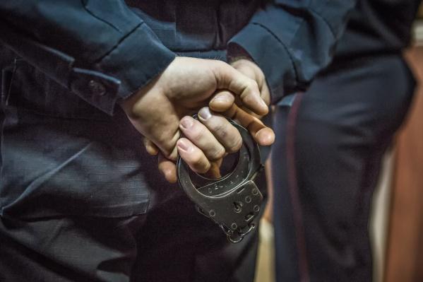 После стрельбы подозреваемый ушёл из ночного клуба, но вскоре попался экипажу ППС