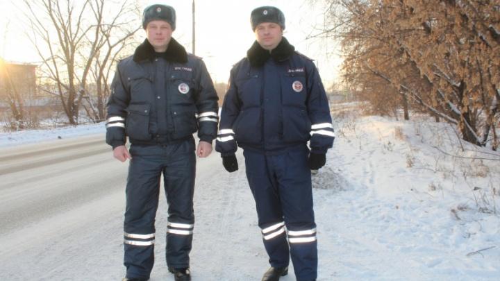 Мужчина замерзал на трассе в ВАЗе с пустым баком