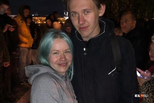 Сергей сделал предложение Татьяне в сквере — там же, где он с ней и познакомился