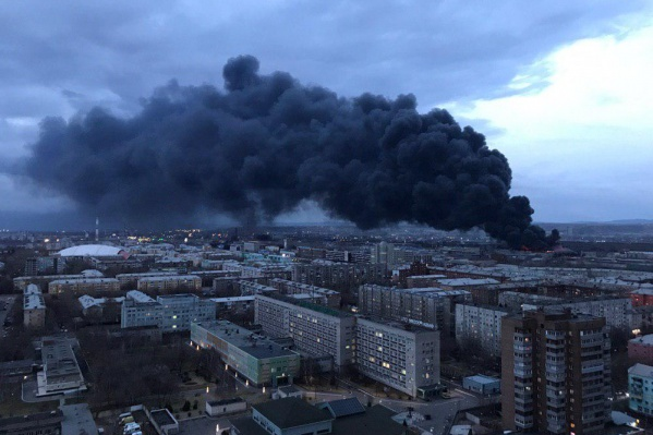 Сообщение о пожаре поступило около 8 часов вечера