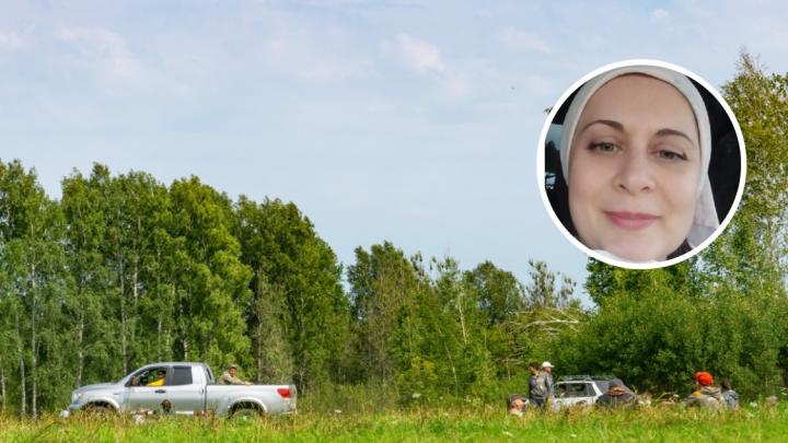 Пропавшую два дня назад в Тарском лесу женщину нашли живой