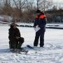 Беспечность может стоить жизни: МЧС Зауралья проверило толщину льда на Тоболе