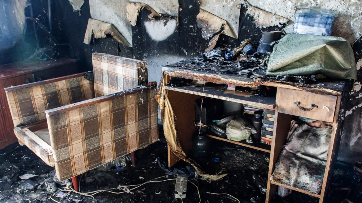 «Был один в квартире»: пожарные спасли из огня пятилетнего мальчика в Волгограде