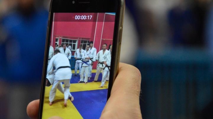 Олимпийский чемпион провёл мастер-класс по дзюдо для свердловских силовиков