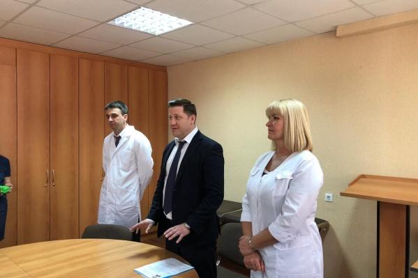 Глава Минздрава представил медикам нового главного врача