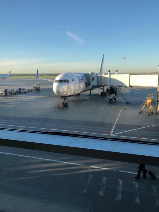 Самолет улетел, а двое уральцев остались в Екатеринбурге
