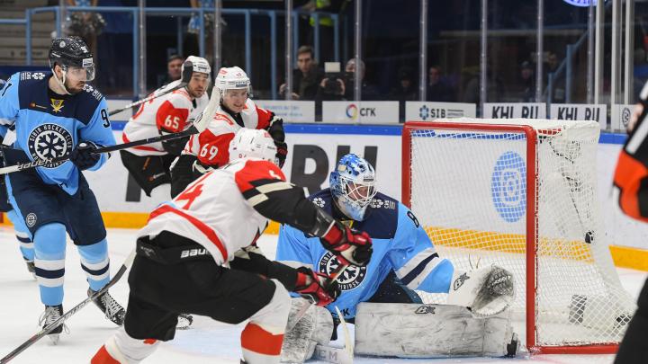 «Мы хозяева Сибири!»: новосибирская команда пять раз поразила ворота «Авангарда»