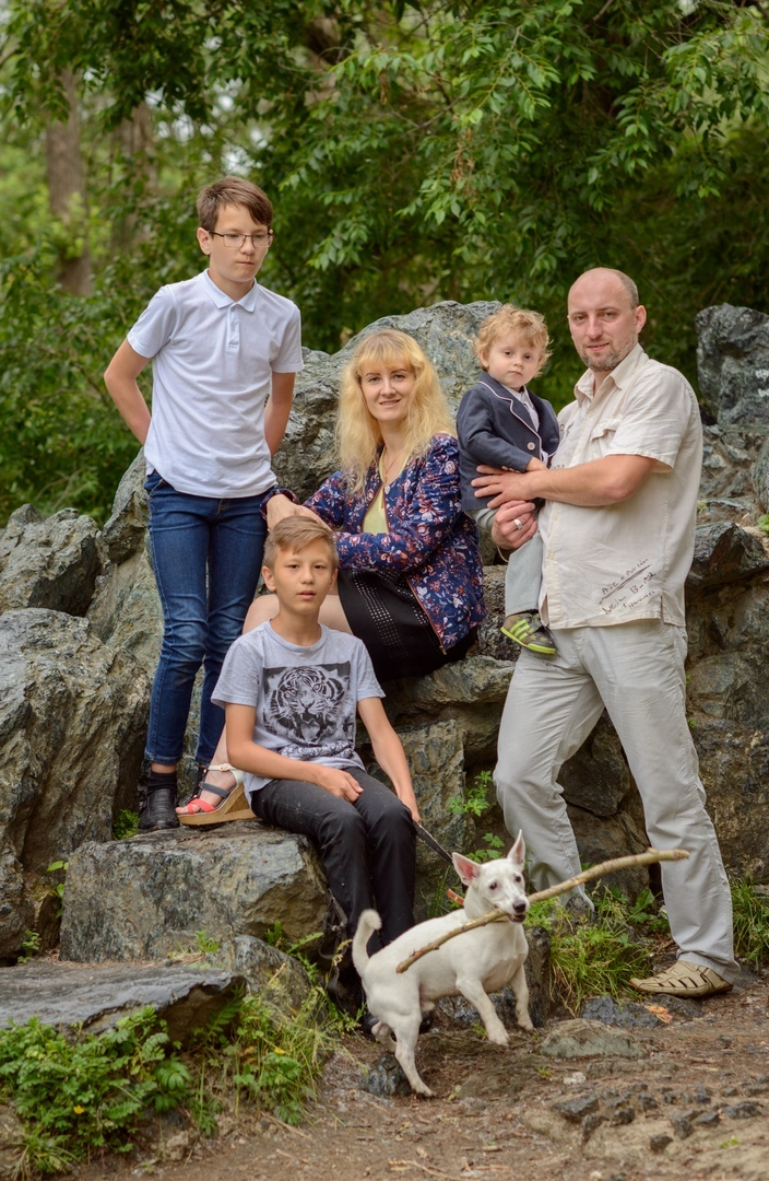 Дмитрий с семьёй