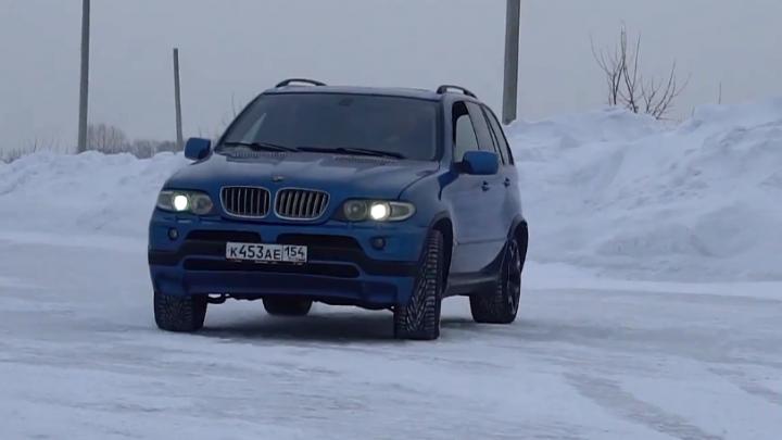 Видео: новосибирцы поставили в BMW японский двигатель и прокатились по городу