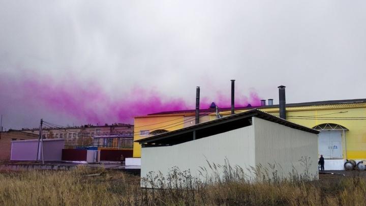 Жители микрорайона Крым требуют прекратить химические выбросы с предприятий