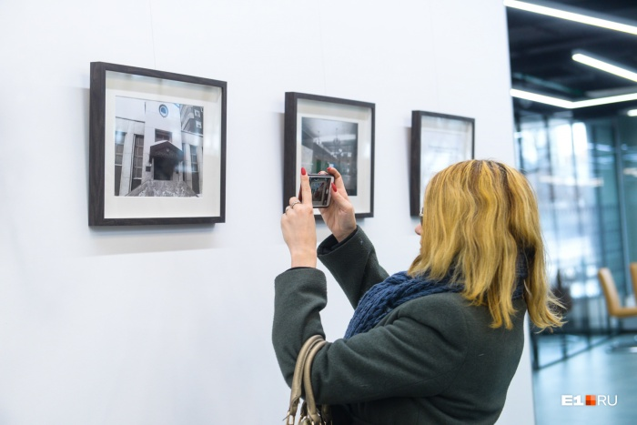Фотовыставку обещают регулярно обновлять