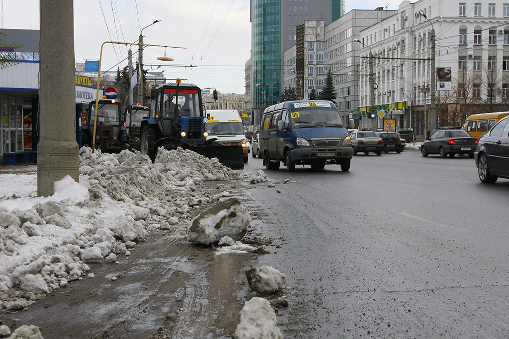 По мнению общественников, дороги в Челябинске слишком широкие