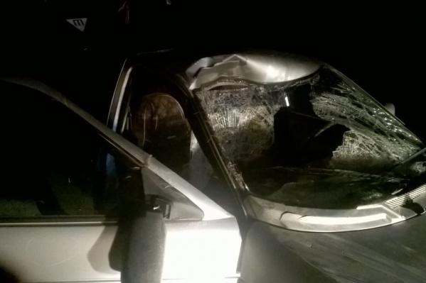 Удар пришёлся на сторону пассажира, который сидел на переднем сиденье