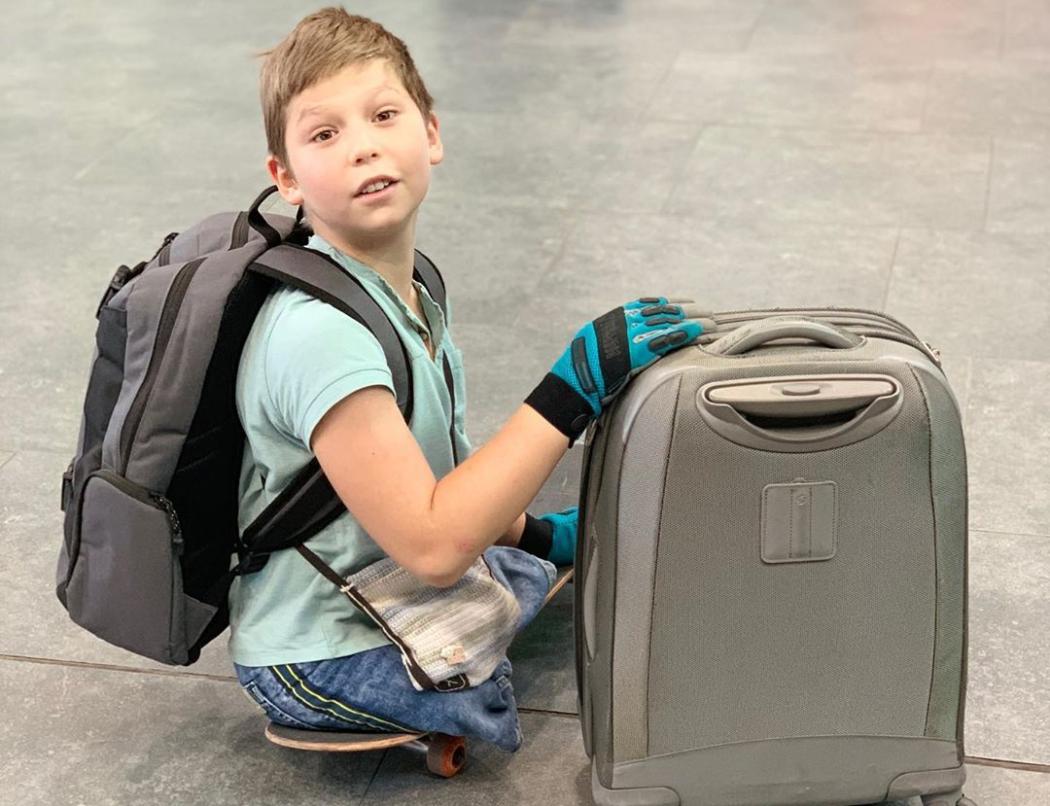Максиму всего 10 лет, но он уже звезда — безногого мальчика-скейтера знает практически весь мир