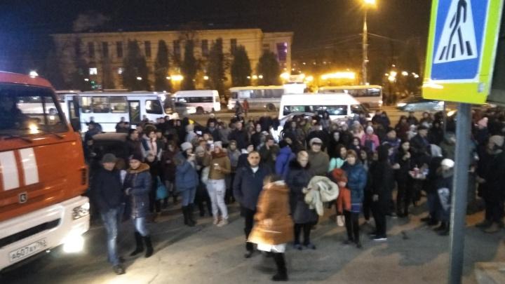 В Самаре эвакуировали ТЦ «Вива Лэнд» из-за бесхозного пакета