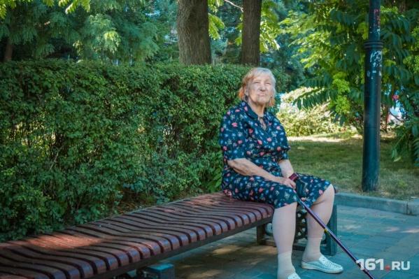 Пока женщины в России выходят на пенсию в 55 лет, а мужчины в 60 лет