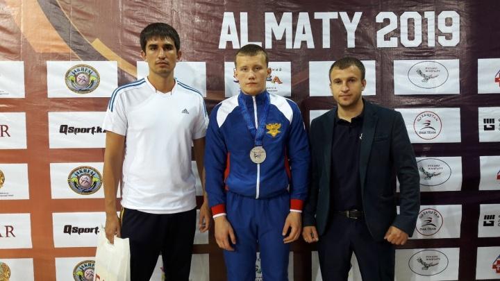 Курганский спортсмен стал серебряным призером первенства мира по рукопашному бою