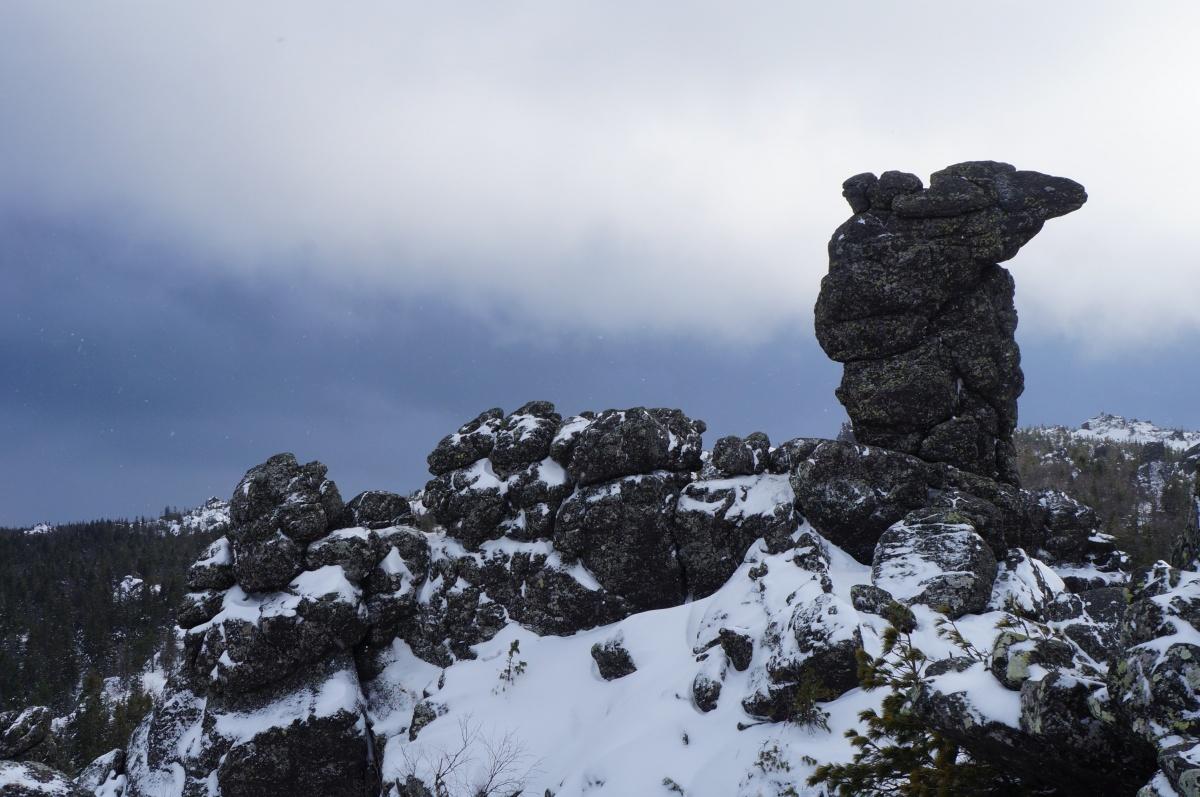 Скала Верблюд. Есть версия, что из-за нее гору и назвали Качканар («нар» в тюркских языках — верблюд)