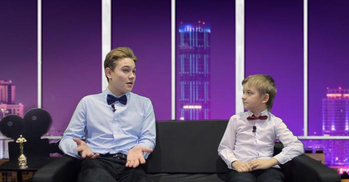 Интерьер детского аналога шоуПервого канала также был выполнен в стилистике «Вечерний Ургант»