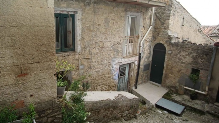 Топ-2019 Дом за 1 евро: пара из Красноярска рассказала, как искала жилье в Сицилии и что из этого вышло