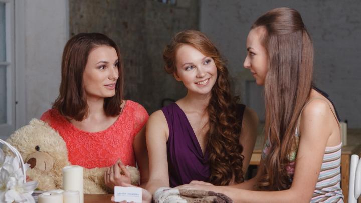 «Хочу шубу, платье и в отпуск»: выясняем, что и где выгодно покупать летом
