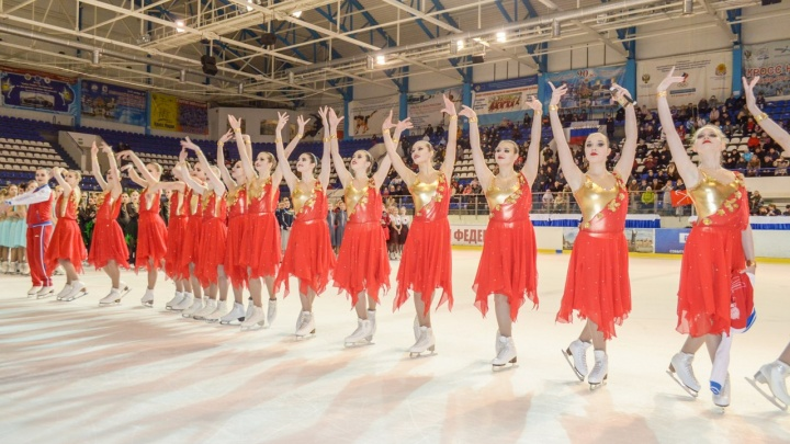 Команда синхронисток из Екатеринбурга выиграла Кубок Франции по фигурному катанию