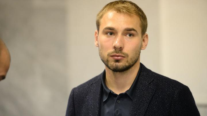 Областной суд отказался снимать с выборов Антона Шипулина, забывшего про свои миллионы за границей