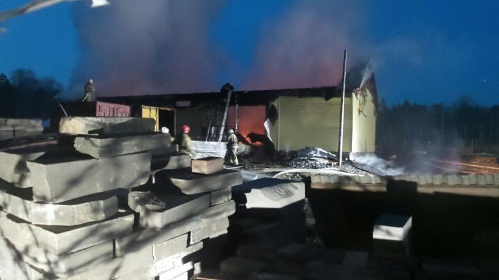 Пожар на Ганиной Яме: сгорело подсобное помещение Екатеринбургской епархии