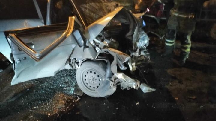 В Салавате столкнулись ВАЗ-2112 и Chevrolet Lanos, погибла девушка