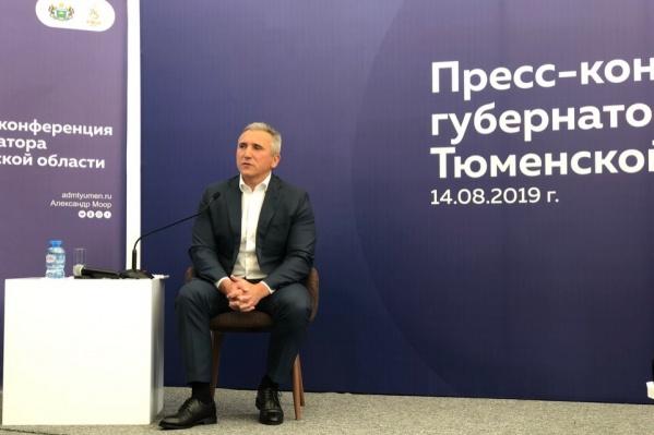 Пресс-конференция с журналистами и блогерами длилась полтора часа. Но далеко не все успели задать губернатору свои вопросы