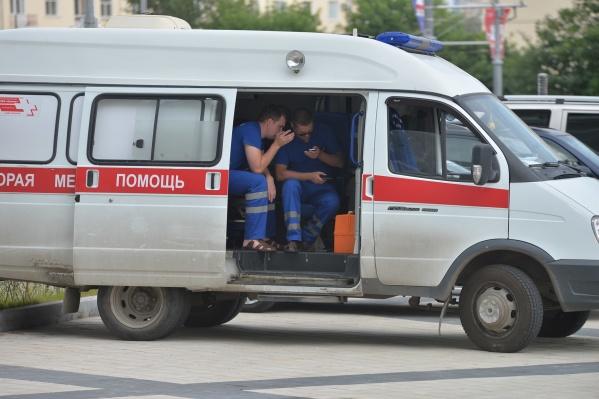 В День Победы на местах праздничных мероприятий будут дежурить медики скорой помощи и городских больниц