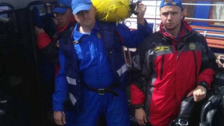 В Запанском водолазы достали тело утонувшего мужчины