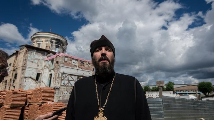 В Екатеринбурге на священнослужителя подали в суд за оскорбление Ленина