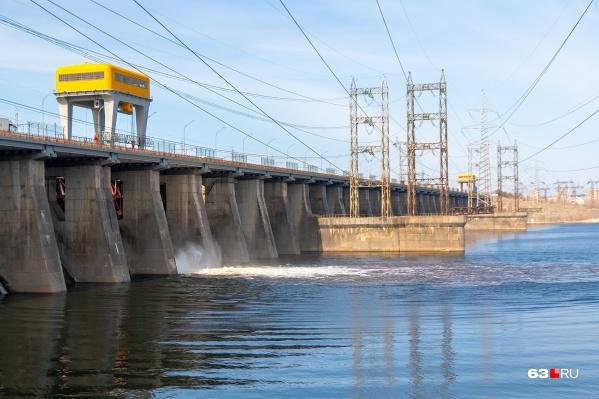 В Жигулевской ГЭС говорят, что не нарушали план по пропуску воды через сооружения