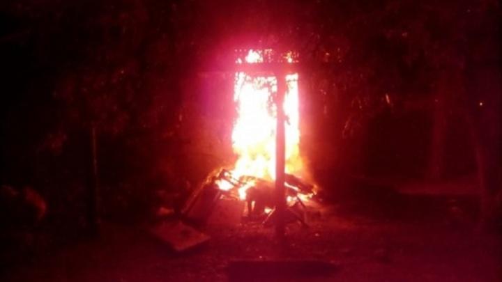 Снова пожар: в трущобах на улице Жолудева сгорело второе за три дня общежитие-заброшка